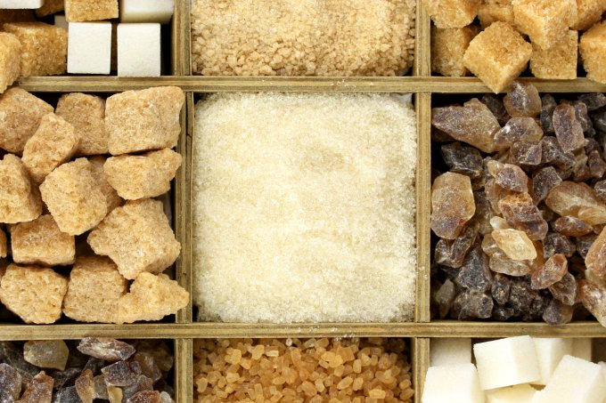 Conheça 12 tipos de açúcar e quais seus usos na cozinha